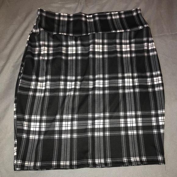 2ebf2f66cb52e7 silhouette new york Skirts | Silhouette Nyc Black White Pencil Skirt ...